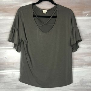 Caution to the Wind top Gray ruffle sleeve